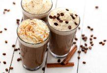Znudziła Ci się zwykła kawa? Przygotuj sobie mrożoną kawę z ulubionymi dodatkami