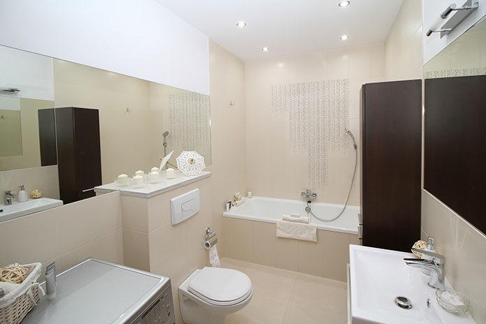 Jak wykorzystać przestrzeń w małej łazience?