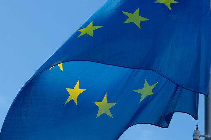 Unia Europejska vs JKM - dlaczego Janusz Korwin-Mikke opowiada się przeciwko wspólnocie?