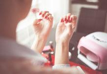 Odżywki i lakiery do paznokci - jak używać i jakie dobierać?