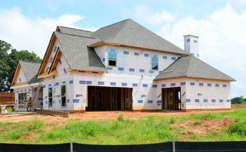 Samodzielne budowanie domu – czy to dobra decyzja?