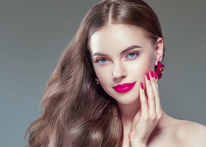 Jak zrobić imponujący makijaż na imprezę?
