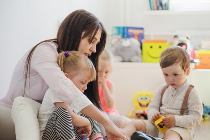 Opiekunka dla dzieci – ile kosztuje?