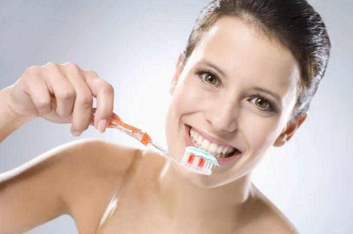 Jak prawidłowo dbać o zdrowie jamy ustnej?