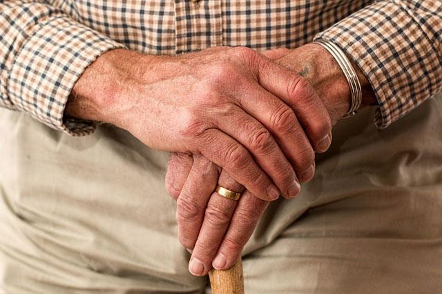 Reumatyczne zapalenie stawów - objawy i leczenie farmakologiczne