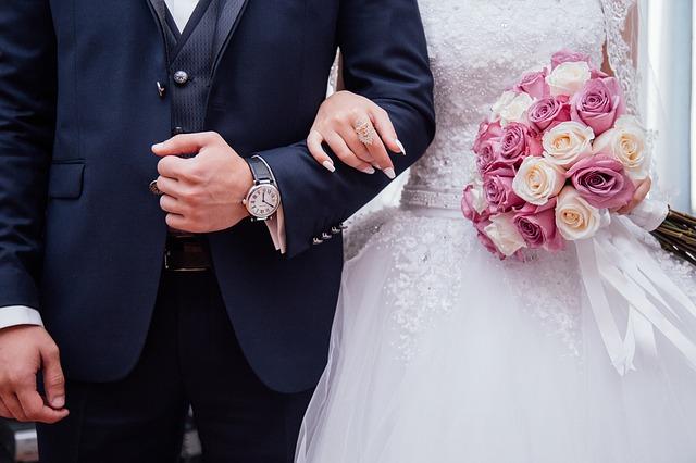 Prezent na rocznicę ślubu – ciekawe pomysły