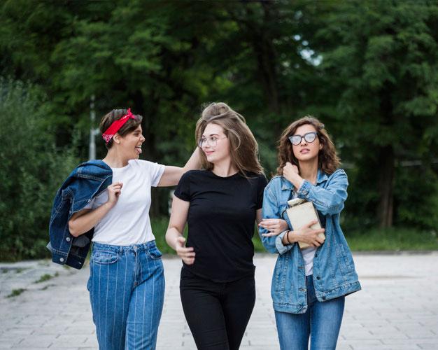 Kurtki jeansowe na wiosnę – jakie fasony będą modne?