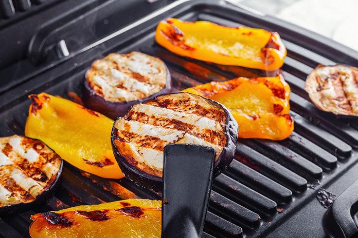 Grill elektryczny, czyli sposób na smaczne i zdrowe grillowanie przez cały rok