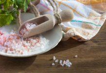 Woda z solą – najlepszy sposób na nawodnienie organizmu