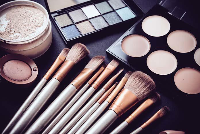 Jak zrobić makijaż krok po kroku?