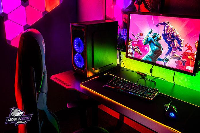 Biurko gamingowe - centrum dowodzenia gracza