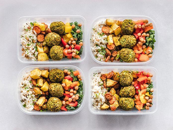 Dlaczego warto postawić na catering dietetyczny