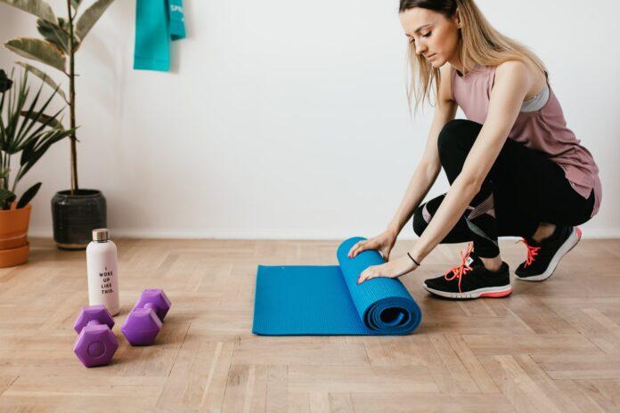 Ćwiczenia w domu ze sprzętem